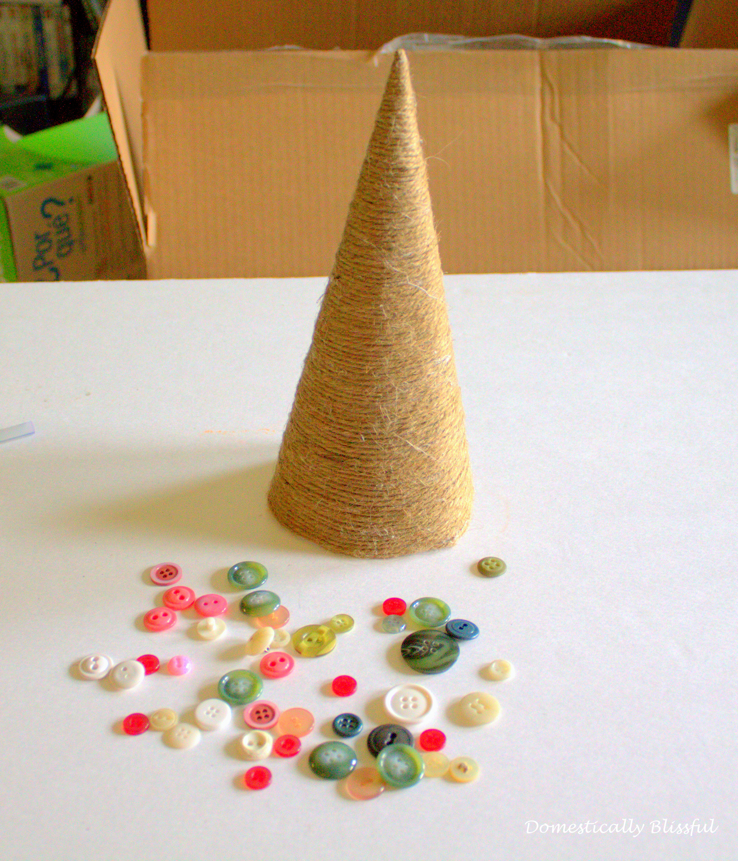 Buttons as Ornaments for twine christmas tree