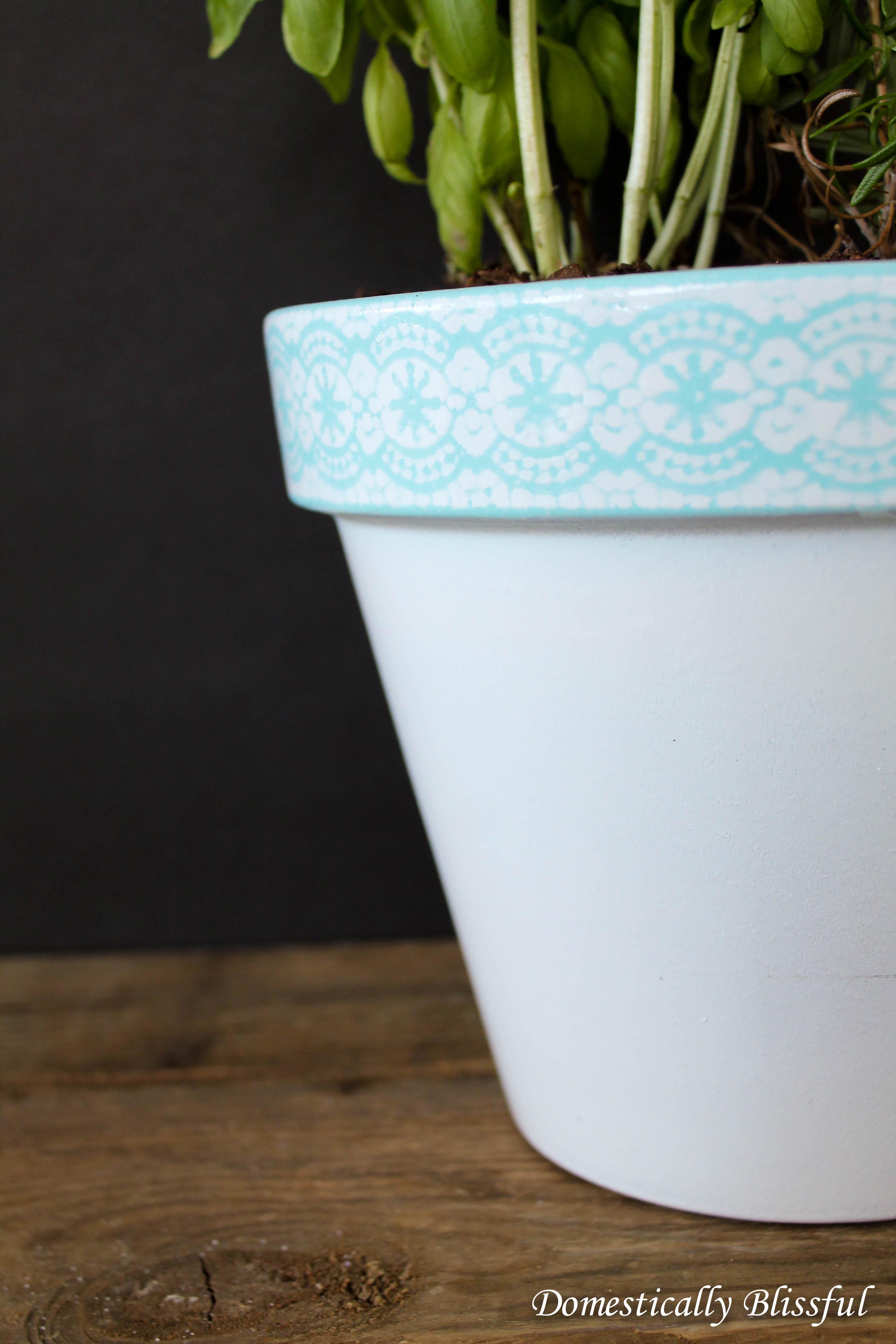 Large Painted Lace Pot