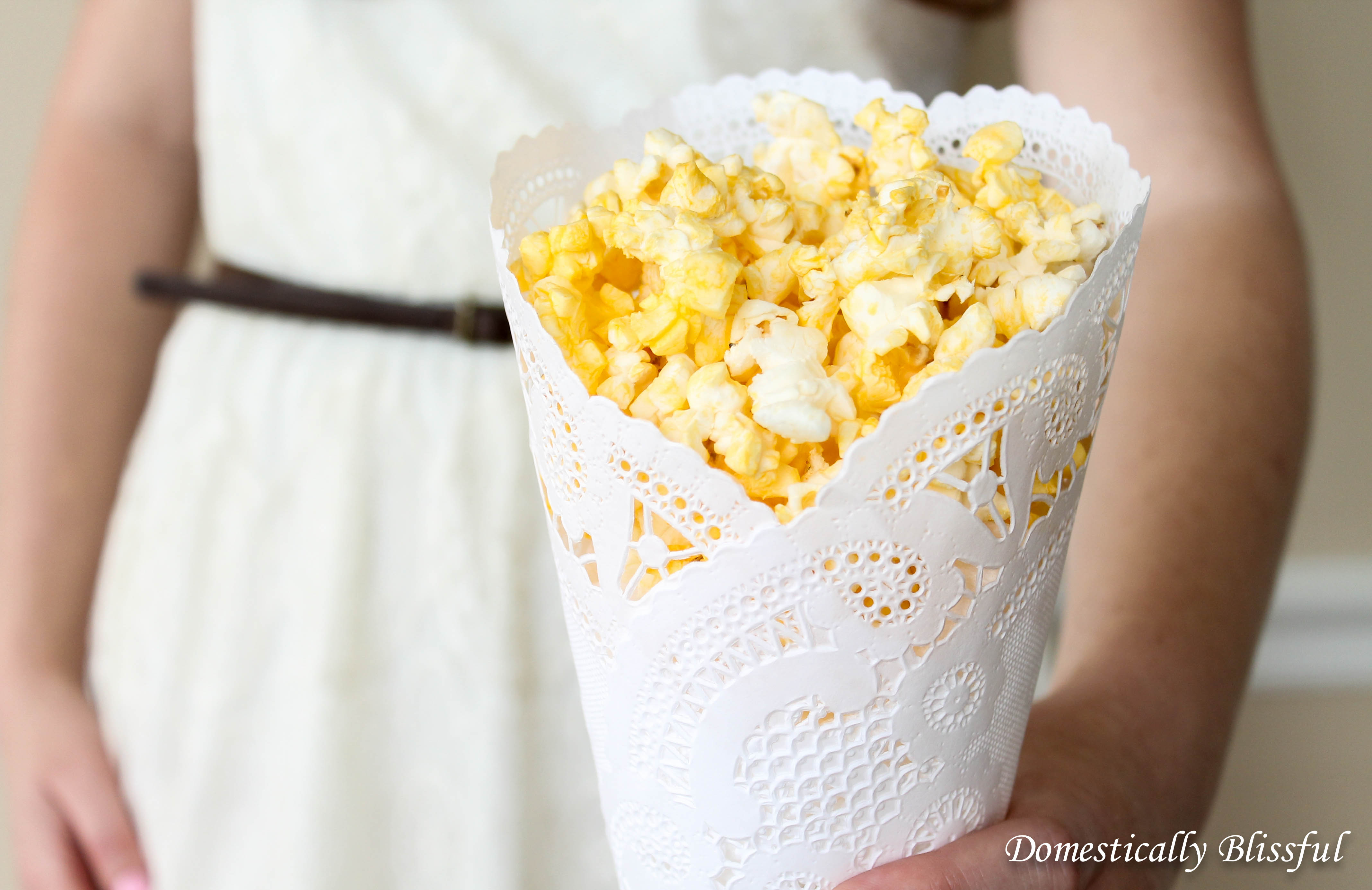 how to make confetti cones from doilies