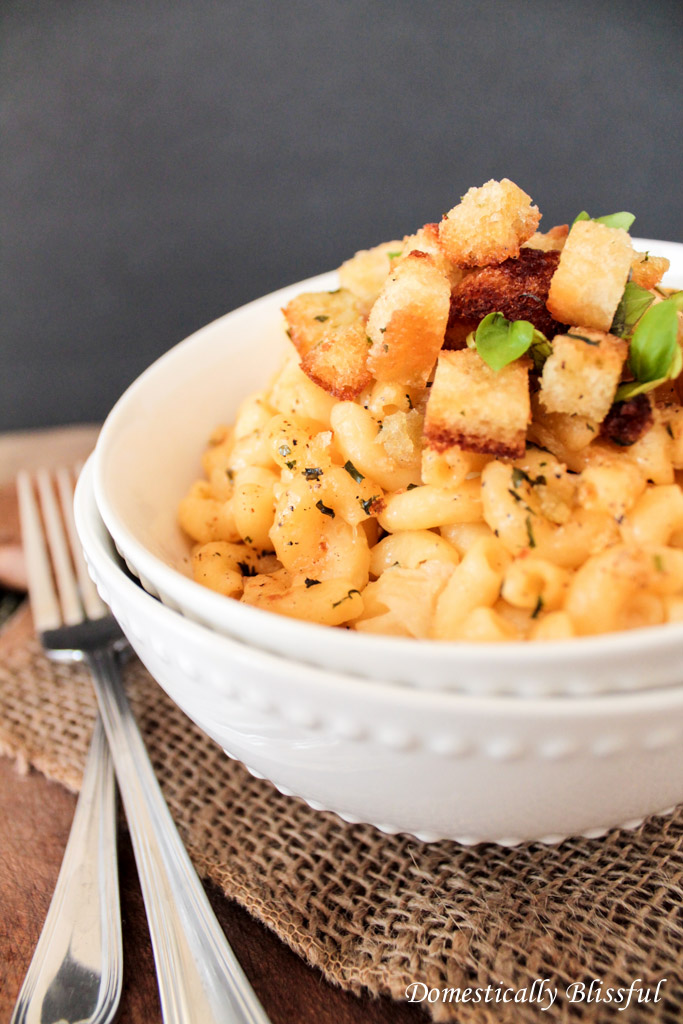 Mac and Cheese with Roasted Garlic