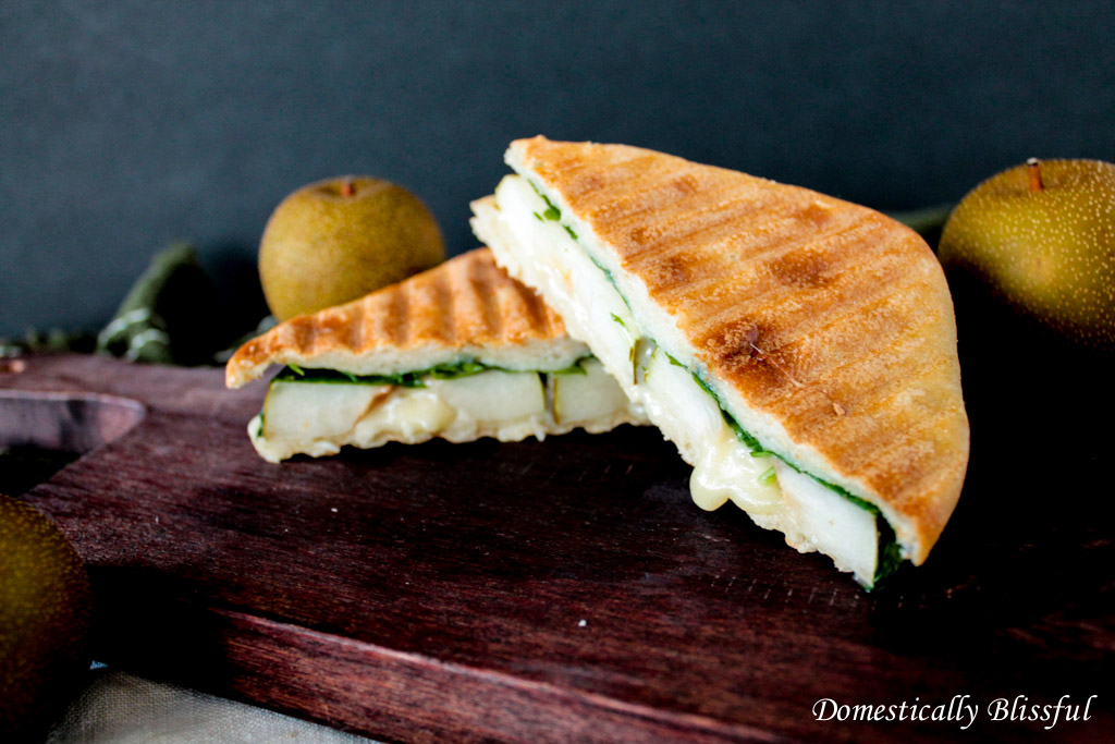 Gorgonzola & Pear Sandwich