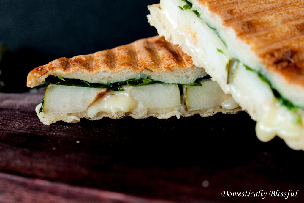 Gorgonzola Pear Sandwich
