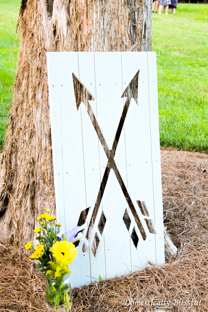 Arrows pointing the way to the reception