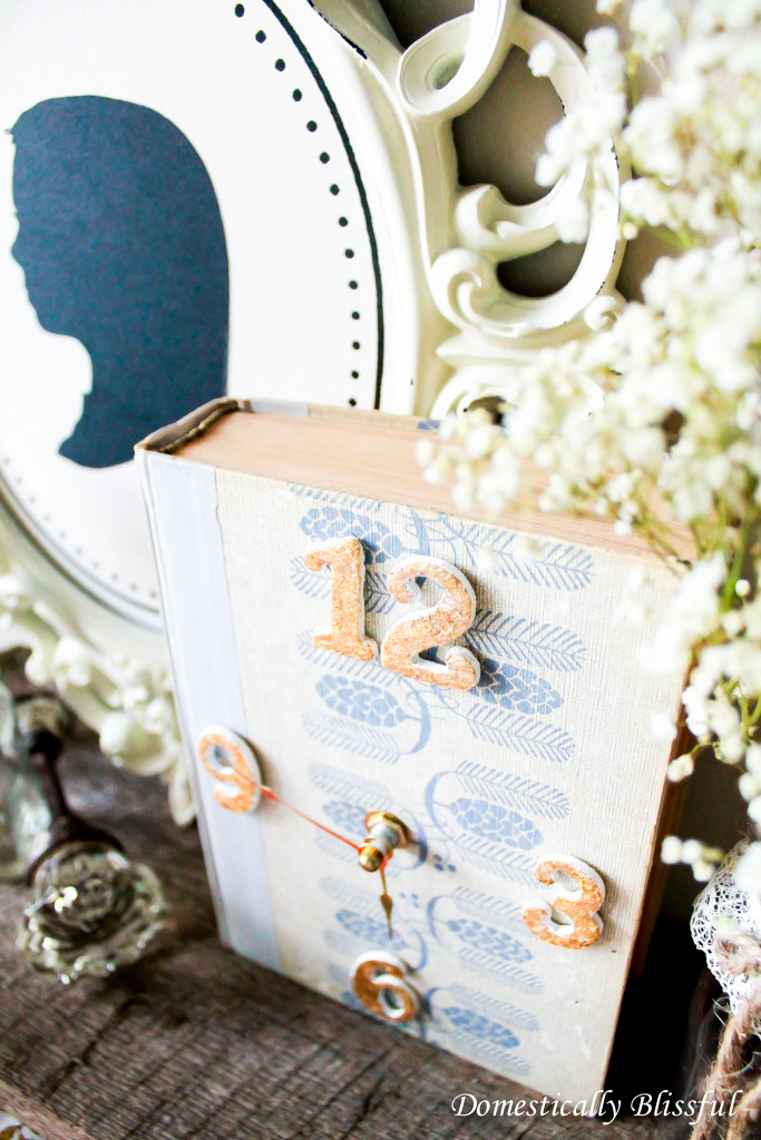 Save an old book from the trash & give it new life by creating a Book Clock for your home!