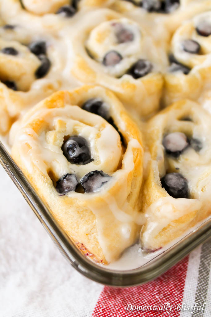 Quick and Easy Blueberry Sweet Rolls