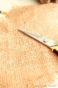How to Stiffen Burlap Fabric