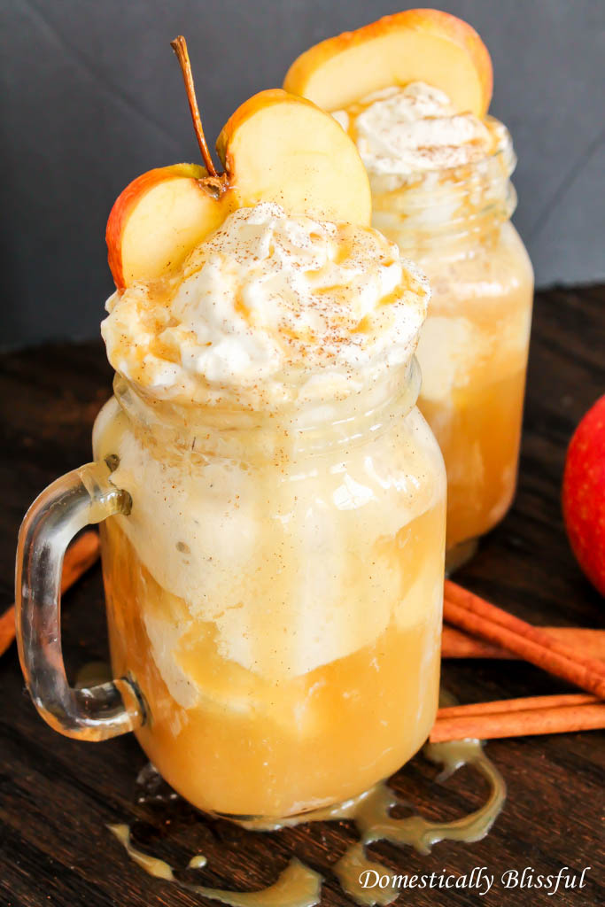 Apple Cider Floats | Best Holiday Drink Recipes To Spread Festive Cheers With