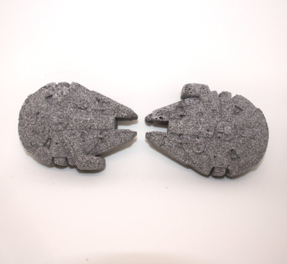 2 Millennium Falcon Bath Bombs