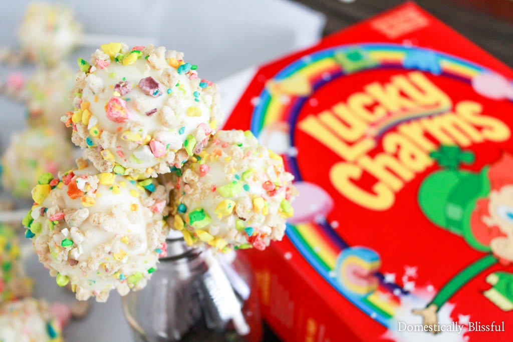 Lucky Charms Ice Cream Pops are a deliciously gluten free way to cool off this summer!