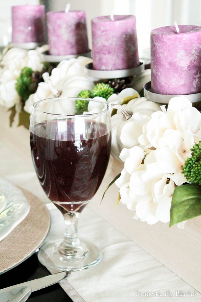 How to create a purple fall tablescape & incorporate your favorite shades of purple into your fall decor.