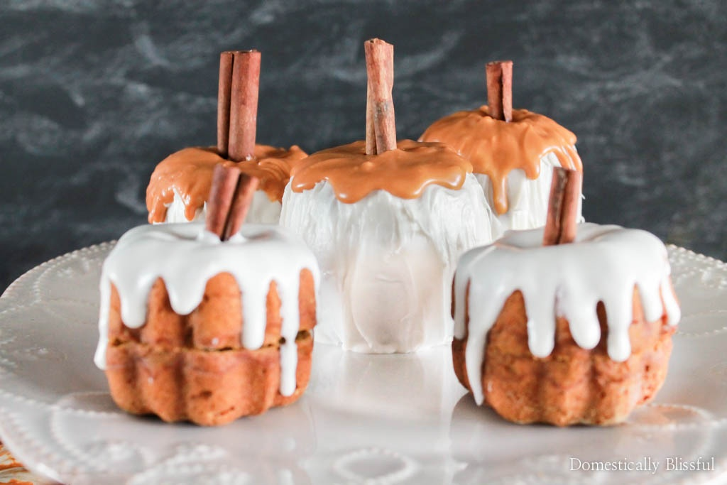 Mini Pumpkin Spice Latte Bundt Cakes are the perfect fall dessert for any fall party, Friendsgiving gathering, or Thanksgiving dinner.