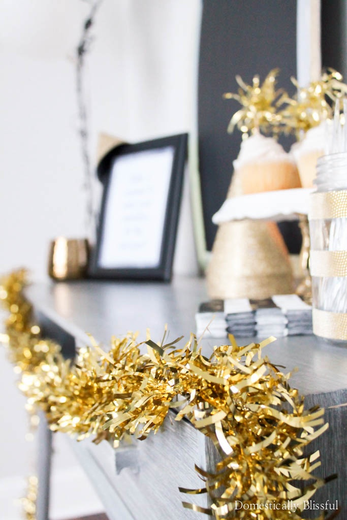 5 easy tips for decorating a New Years Eve party that all of your guests will love & remember!