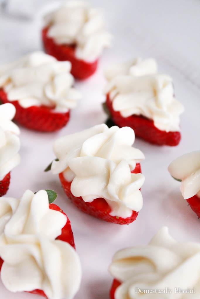 Nutella Cheesecake Strawberry Bites