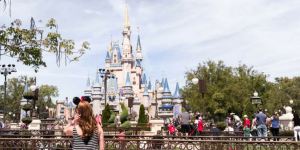 10 tips for planning a last minute vacation to Walt Disney World that will help you have a fun & memorable time with the shortest wait times