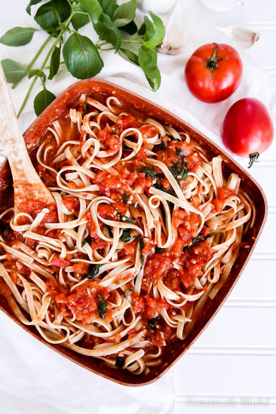 This 30 Minute Fresh Marinara Sauce is full of fresh flavors for a simple & light dinner that is sure to satisfy!