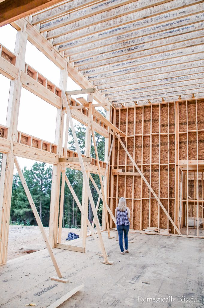 5 ways to stay on budget while designing & building your dream home.