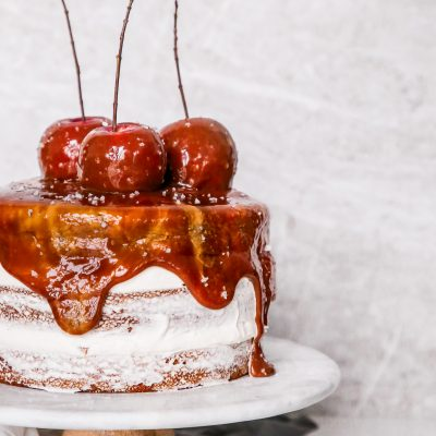Cinnamon Caramel Apple Cake