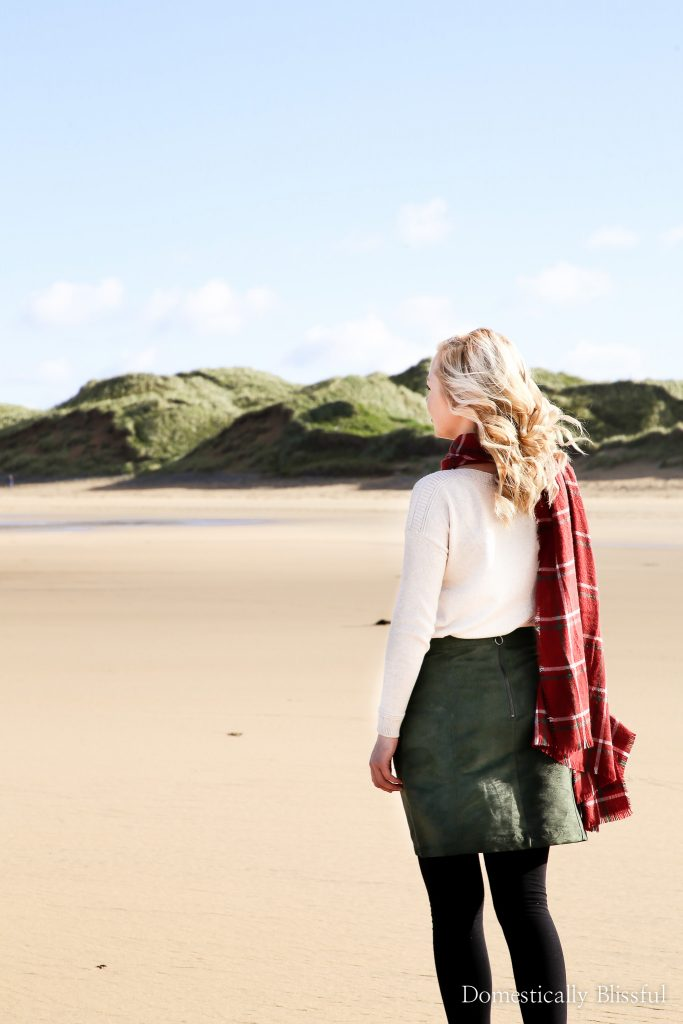 Choosing fall Ireland outfits can be difficult as the weather is constantly changing so here are 5 helpful tips on what to wear in Ireland in the Fall.
