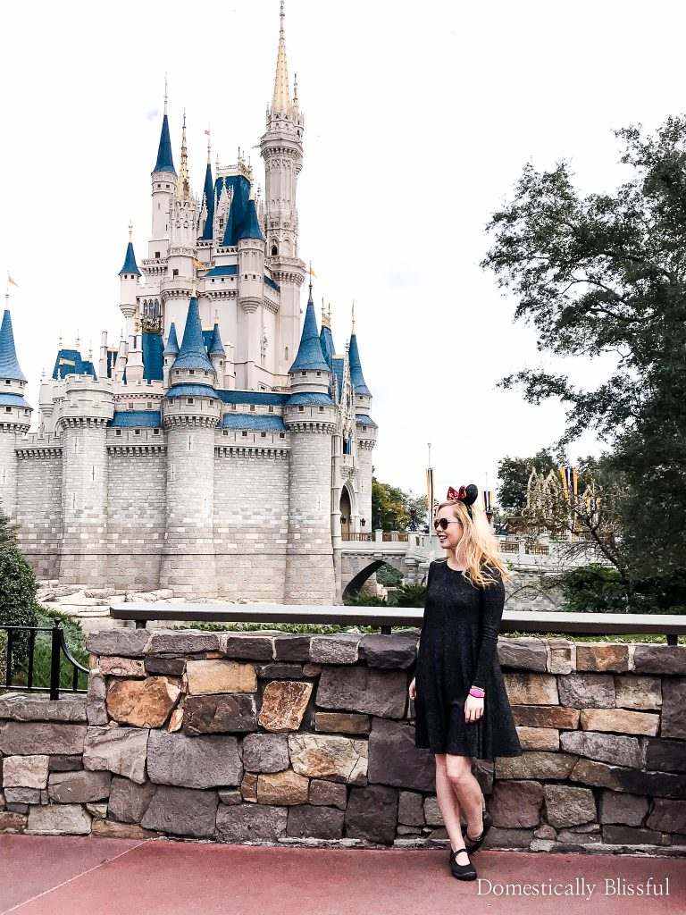 5 tips for visiting the Magic Kingdom at Christmas for an extra magical Disney World vacation!