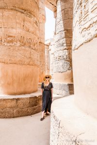10 Egypt travel outfit tips for women traveling in this beautiful middle eastern country.
