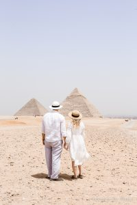 10 must-have Egypt experiences while traveling in this historic country visiting ancient sites on your bucket list.