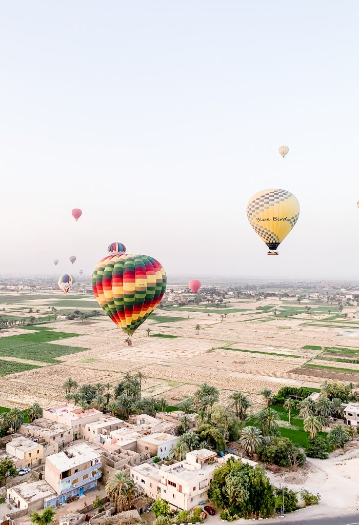 5 things you need to know before booking a Luxor Egypt Hot Air Balloon Experience.