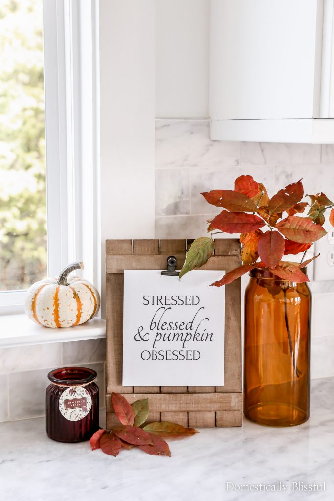 6 Free Fall Printables for minimalists who love free fall decor for their home!