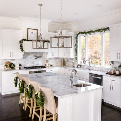 Neutral Kitchen Christmas Decor