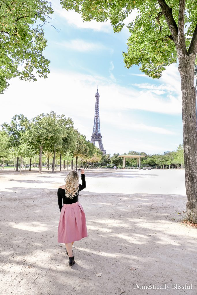 10 Things to Do on a Weekend Trip to Paris to help you experience the new, old, and historical sides of Paris, France.