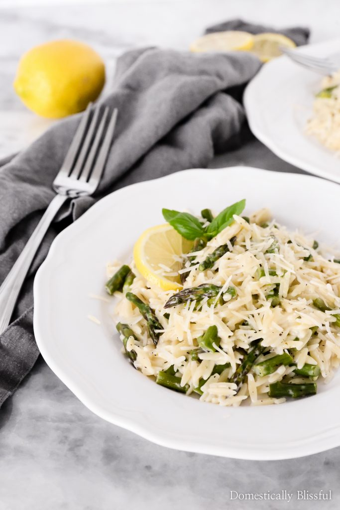 This Creamy Lemon Asparagus Orzo is filled with fresh summer flavor and takes only 15 minutes to make!