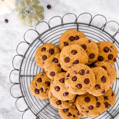 Soft Chewy Pumpkin Spice Chocolate Chip Cookies