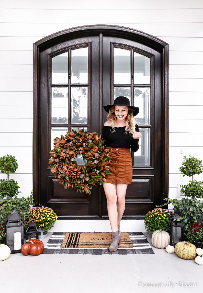 Fall fashion finds under $10 on Amazon to add to your fall outfit collection.