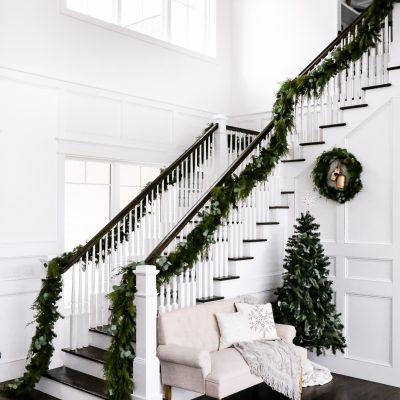 3 Tips for Staircase Christmas Decor