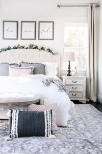 12 Gorgeous Rugs for Your Bedroom that are neutral and look beautiful!